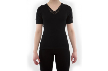 Women's short sleeve undershirt with lace