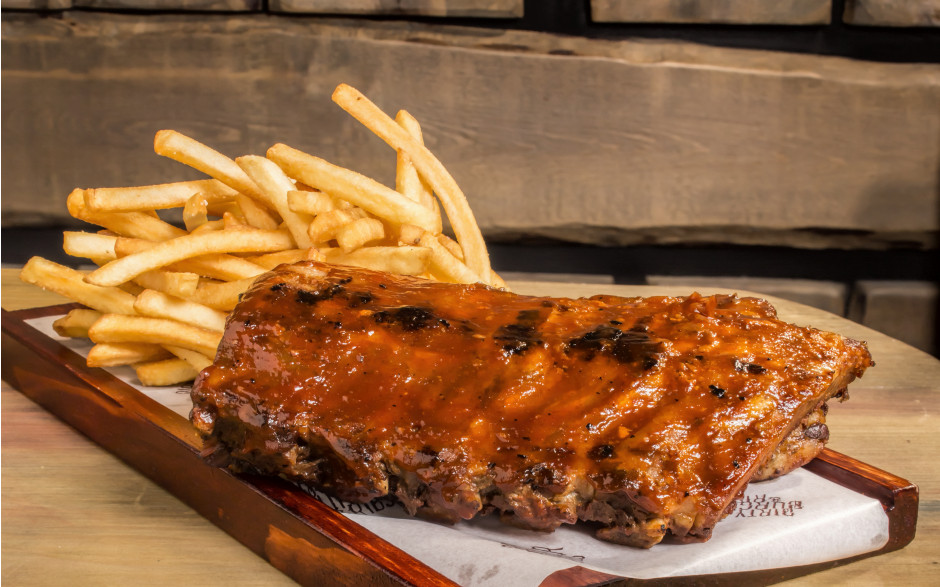 Ribs, fries and soda